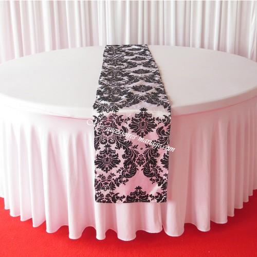 Chemin de Table Baroque Noir et Blanc - Un Jour Spécial