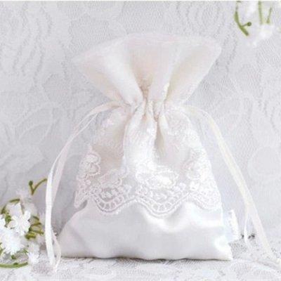 Sachets dragées dentelle Décoration mariage (lot de 10) par Un Jour ...