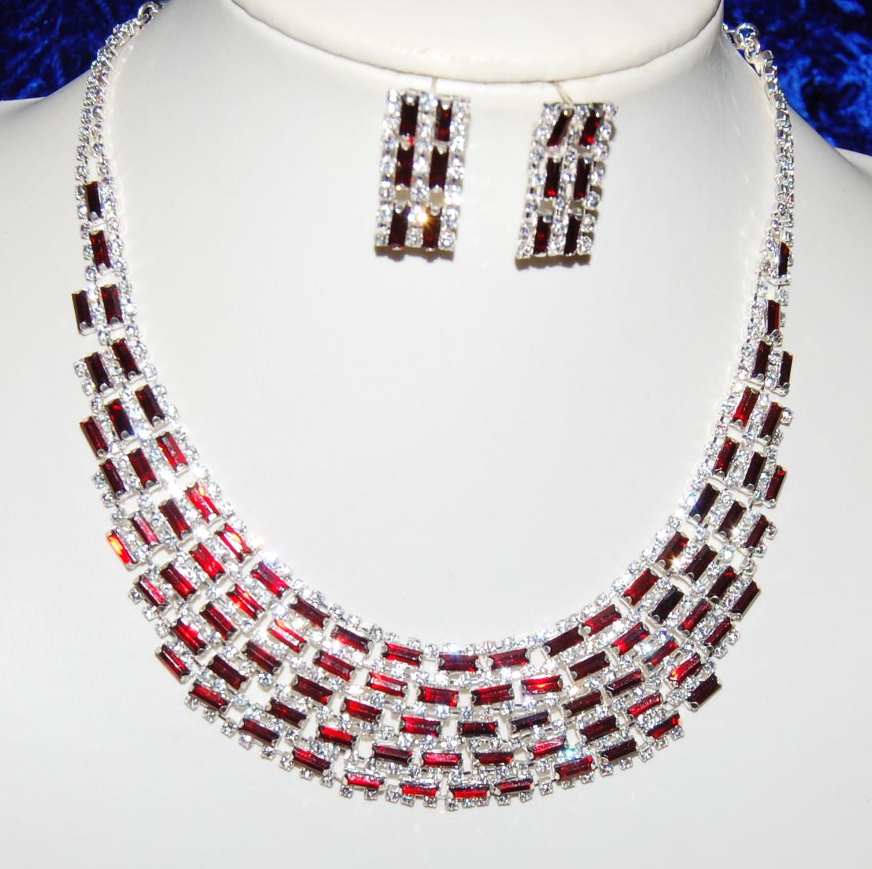 parure bijoux mariage cristal rouge un jour sp cial. Black Bedroom Furniture Sets. Home Design Ideas