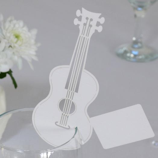 marque places guitare d coration table de mariage lot de 10 un jour sp cial. Black Bedroom Furniture Sets. Home Design Ideas