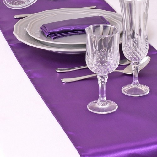 Décoration de Table Mariage  - Chemin de Table Satin Pourpre (Lot de 5) : illustration