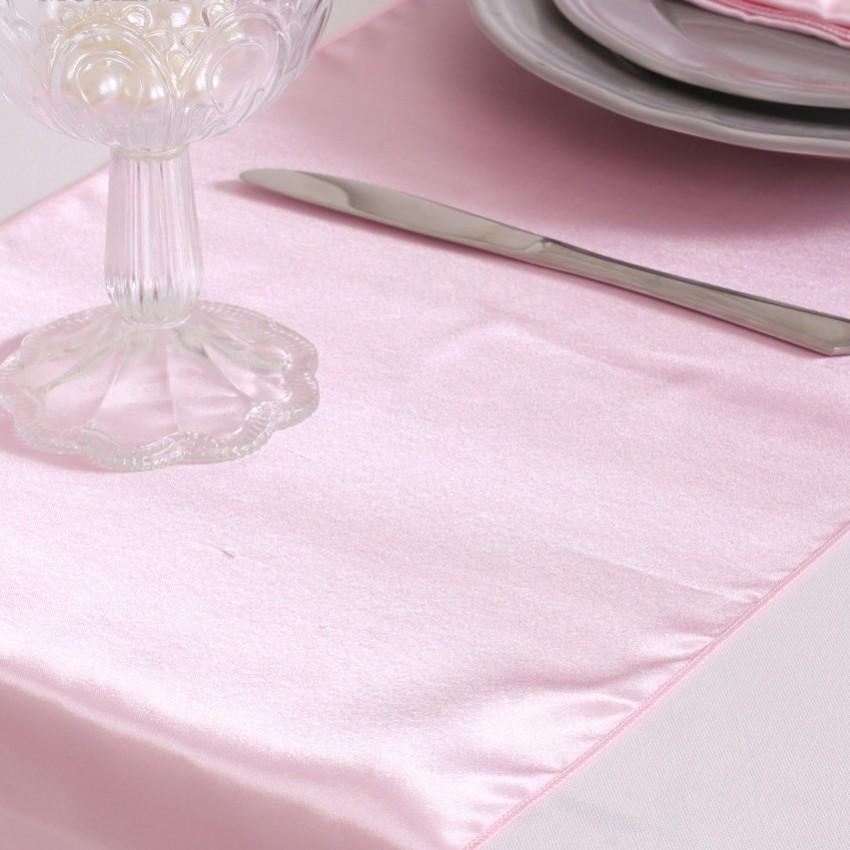 chemin de table mariage pas cher en satin rose un jour. Black Bedroom Furniture Sets. Home Design Ideas