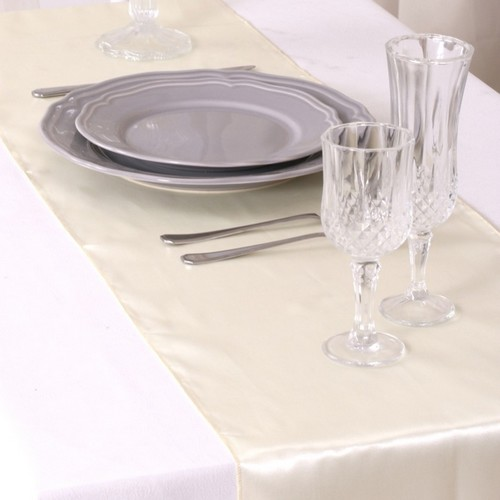 Décoration de Table Mariage  - Chemin de Table Mariage Satin Ivoire (Lot de 5) : illustration