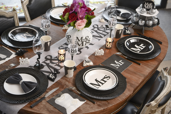 "Les assiettes jetables ""Mrs  (""Madame"") ... - Photo 1"