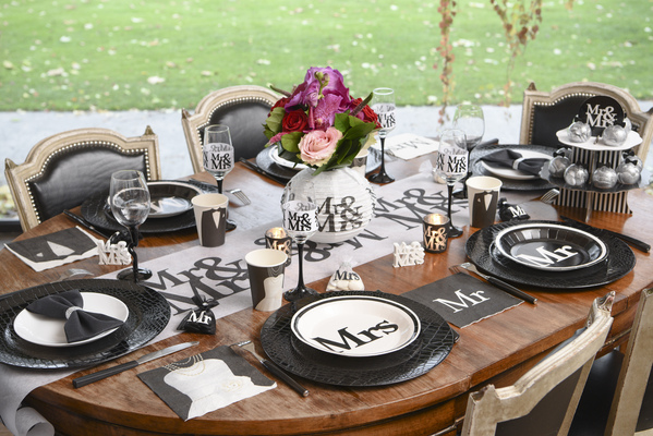 "Les assiettes jetables ""Mrs  (""Madame"") ... - Photo 2"