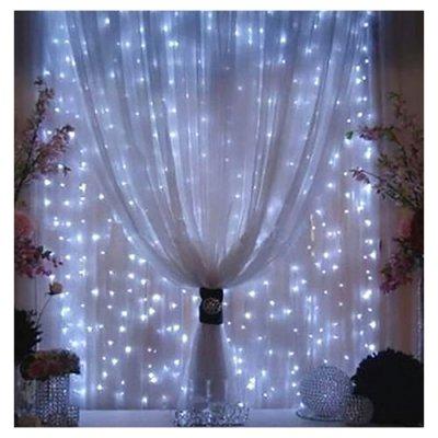 rideau de lumi re guirlande lumineuse 300 led un jour sp cial. Black Bedroom Furniture Sets. Home Design Ideas