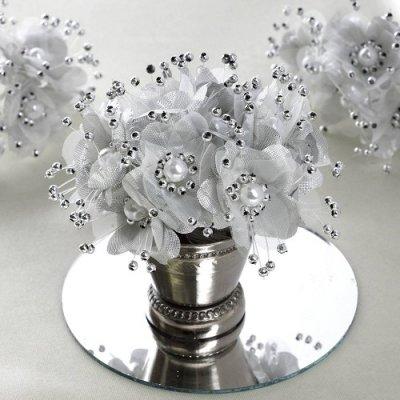 9409afa7924 Décoration de Table Mariage - Bouquet de fleurs en tissu argent et perles  Déco mariage
