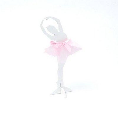 c0604fcaf8aeb Décoration de Table Mariage - Statuette ballerine en bois et tulle    illustration